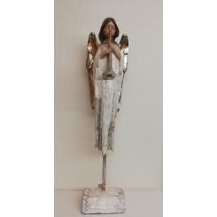Hvid engle med fløjte